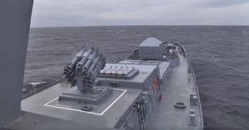 Видео: Руска подводница стреля с крилати ракети в Черно море