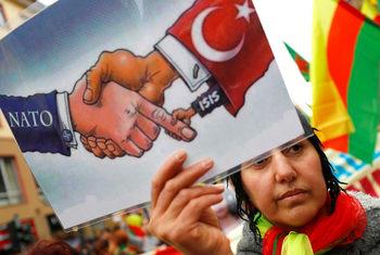 Германският министър на отбраната критикува остро Турция и САЩ