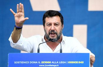 На антиправителствен протест Салвини увери, че ще се върне във властта