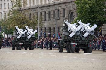 В Европа българите най-малко харесват армията си