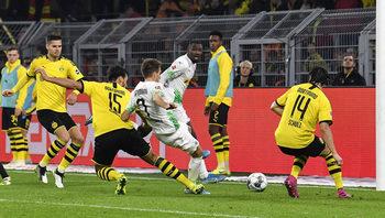 Когато Бундеслигата стана конкурентна: как девет отбора се събраха в две точки