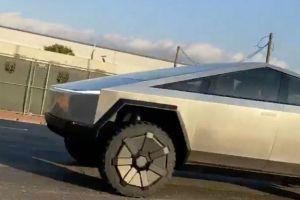 Tesla Cybertruck забелязан за първи път по улиците на LA