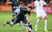 Меси спаси Аржентина срещу Уругвай