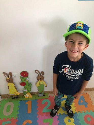 Детска работилница за моделиране на шапки и несесери в Габрово
