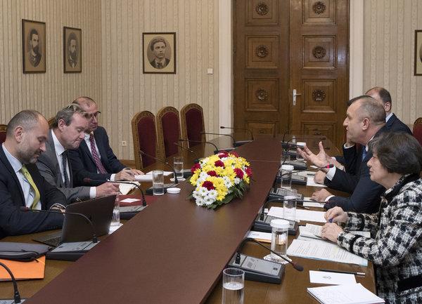 Според Румен Радев приоритет в ЕС трябва да бъдат икономическото и социалното сближаване