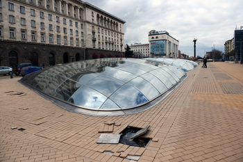 Министерството на културата опрости неустойката на изпълнителя за ремонта на Ларгото