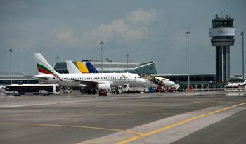 КЗК мисли като държавата: Meridiam и Strabag трябва да вземат летище София