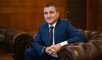 Горанов за неизплащането на първия болничен ден: По-добре грешно решение, отколкото никакво
