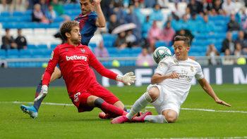 """Дългът зове: вратар на """"Леванте"""" може да пропусне мач заради изборите в Испания"""