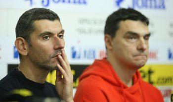 Опозицията във волейбола обвини Данчо Лазаров, че заплашва и манипулира клубове