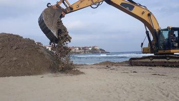 Министерството на туризма започва проверка за дигите на плажа в Созопол