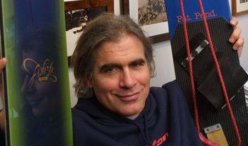 Почина пионерът Джейк Бъртън, който превърна сноуборда в повече от спорт