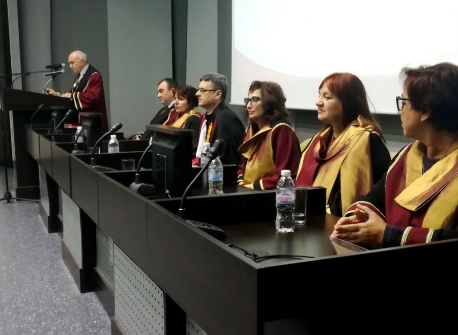 Медицинският университет дипломира 40-ия успешен випуск от млади лекари