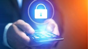 Изтекоха данните на милиони потребители на устройства за интелигентен дом