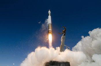 Rocket Lab успешно изпробва технологии за многократна употреба на ракети