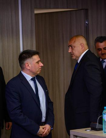 Уикенд новини: Главният прокурор ще може да бъде разследван от свой подчинен, съдът блокира партията на Слави Трифонов