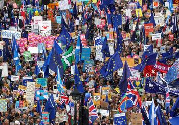Активността на младите британци може да е решаваща за резултата от изборите