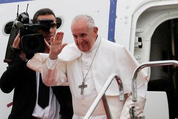 Папа Франциск: Консуматорското общество е вирус, който атакува вярата