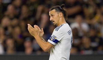 """""""Ще се видим в Италия"""": как Ибрахимович открехна вратата към завръщане в """"Милан"""""""