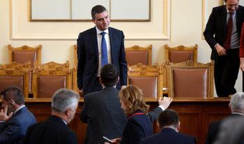 ГЕРБ се противопостави на ДПС и кабинета и подкрепи другите партии за субсидия от 8 лв. на глас