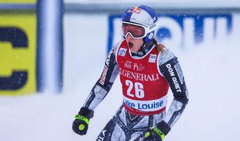 Естер Ледецка спечели сензационно спускането с Лейк Луис