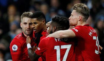 """""""Юнайтед"""" сломи """"Сити"""" в дербито и го отдалечи на 14 точки от върха"""