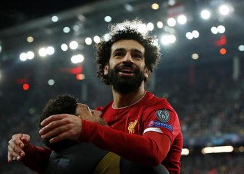 """""""Ливърпул"""" и """"Наполи"""" продължиха уверено към осминафиналите в Шампионската лига"""