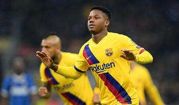 """Снимка на деня: Тийнейджърът от """"Барселона"""", който написа история в Шампионска лига"""