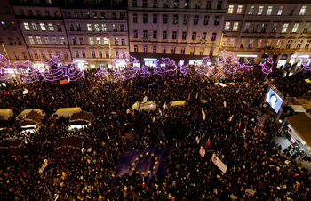 Десетки хиляди чехи протестираха срещу премиера Андрей Бабиш