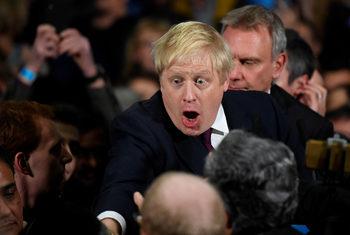 Джонсън върви към победа на изборите днес, но мнозинството му не е сигурно