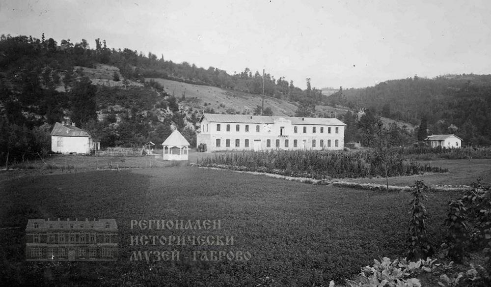 """Заводът за инструменти """"Болшевик"""" е най-големият на Балканите преди 70 години"""