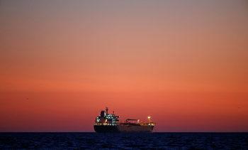 Напрежението между САЩ и Иран оскъпи превоза на петрол и газ