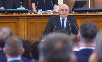 Парламентът одобри Емил Димитров-Ревизоро за екоминистър в отсъствието на Борисов