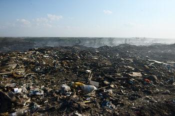 Мораториум върху вноса на боклуци ще спре заводи за метали, стъкло, пластмаси