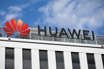 Лондон е на крачка от отхвърляне на натиска от Вашингтон за Huawei