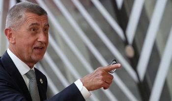Евродепутати ще проверят злоупотребил ли е чешкият премиер с европейски фондове