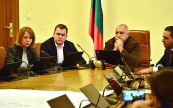 Фандъкова: Решението за Перник минава през 100% гаранция за София