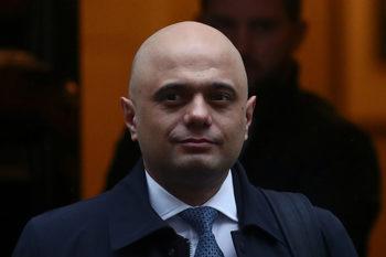 """Лондон готви чествания за Брекзит, призна, че бизнесът може да пострада от """"развода"""""""