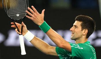 Снимка на деня: Рециталът на Джокович, който осигури мечтан дуел с Федерер