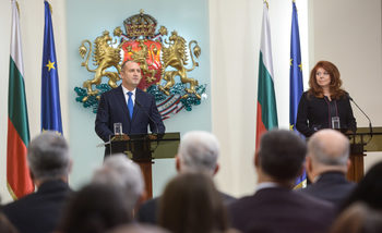 Вицепрезидентът иска законови промени за получаване на българско гражданство