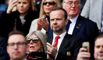 """Фенове на """"Манчестър юнайтед"""" са атакували дома на вицепрезидента на клуба"""