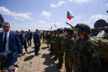 Правителството одобри вдигане на възрастта за постъпване в армията на 40 години