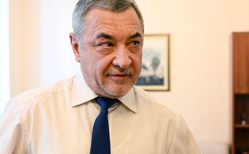Валери Симеонов оттегли поправката за малките ВЕЦ-ове
