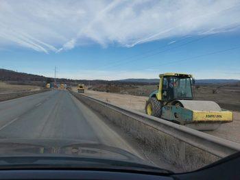 """Борисов и министри инспектираха строителството на магистрала """"Европа"""""""