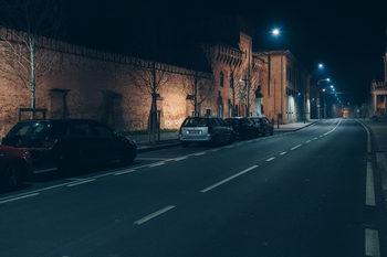 """Фотогалерия: Хората, които рискуват здравето си в италианската """"червена зона"""""""