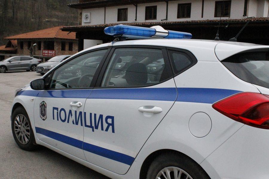 Трима малолетни окрадоха тараба на пазара в Габрово