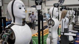 Технологичната революция – напът ли сме да изгубим работата си или ИИ ще работи вместо нас?