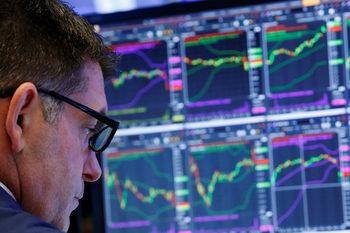 S&P 500 приключи най-лошото си първо тримесечие от близо век насам