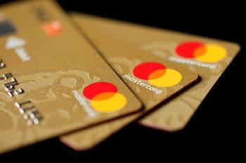 Mastercard увеличава лимита за безконтактно плащане до 100 лева