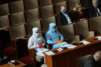 Вечерни новини: Рекорден брой безработни в САЩ; българският парламент се разпусна